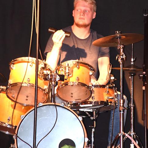 Wenn das Schlagzeug bebt und du deine Gedanken überhörst