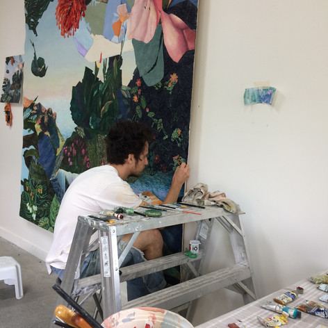 Peinture sur végétation brodée