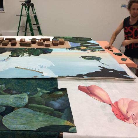 Collage des découpes peintes