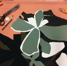 Découpage et disposition des textiles constituant la section des plantes grasses