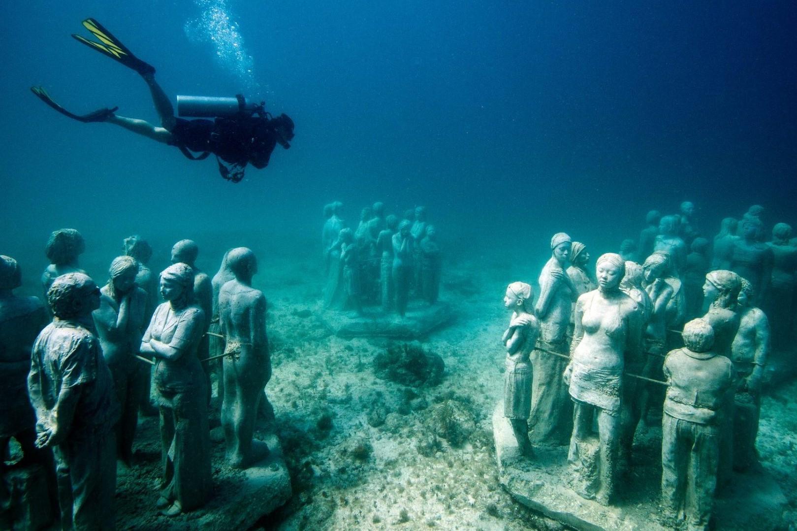 Isla Mujeres - Museo Subacuatico