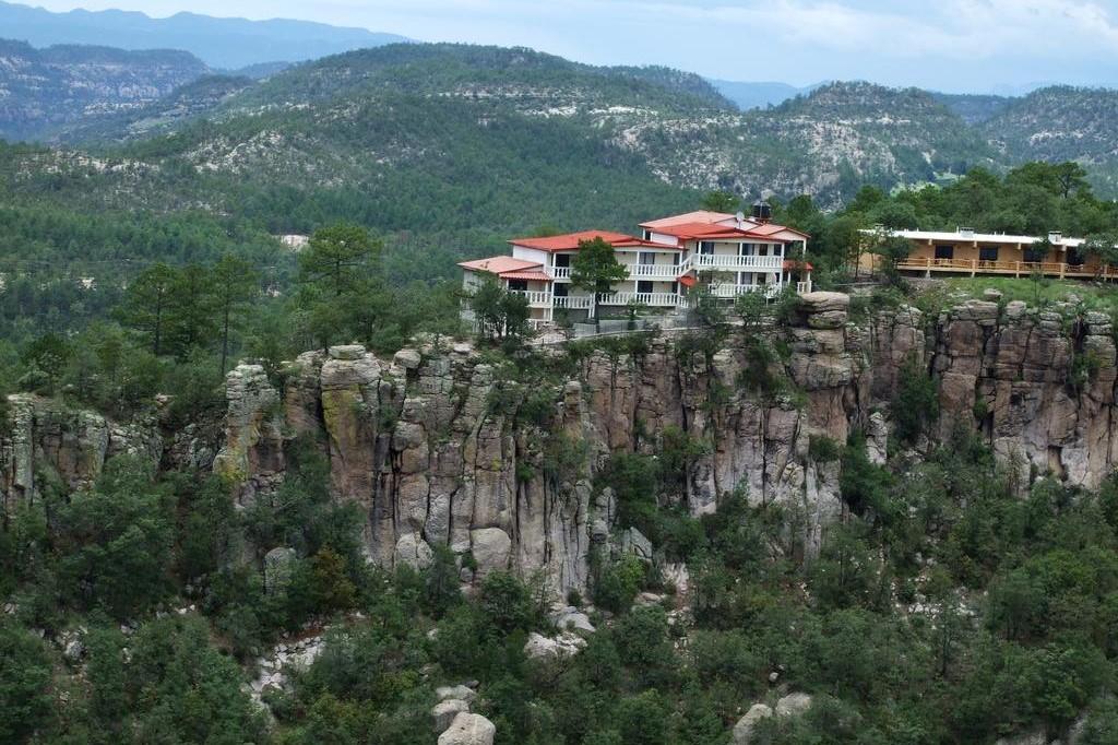 D09 Hotel Mansion Tarahumara - Miradores