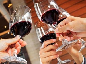 brindis-vino-300x224