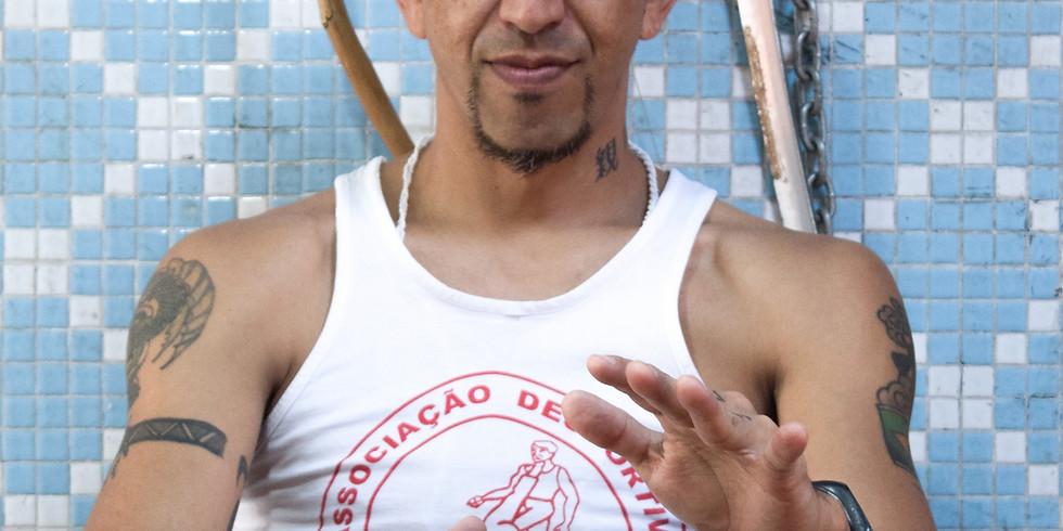 Oficina de capoeira com Contramestre Japa