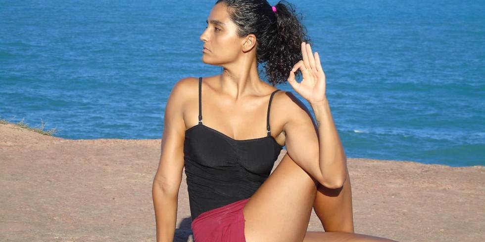 Camila Cherene (aula de yoga)