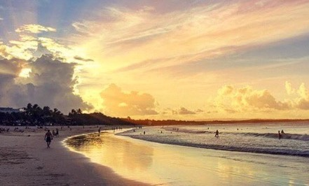 Noosa main beach_edited