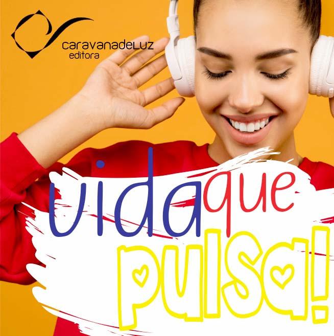 """Jovem ouvindo a nova playlist """"Viva a Vida Pulsante e Bela"""", da Caravana de Luz Editora, no canal spotify."""