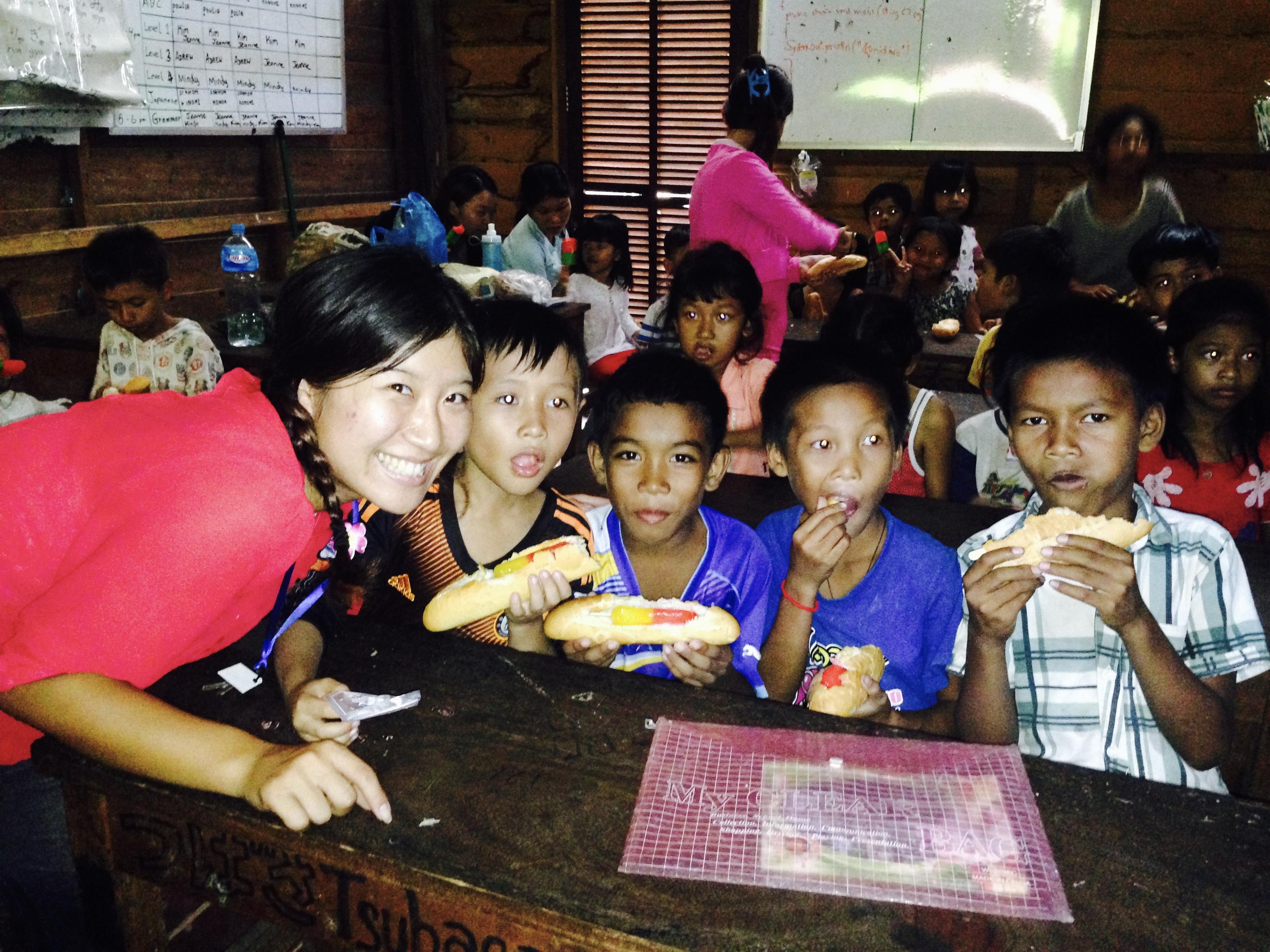 カンボジアのフリースクールにて