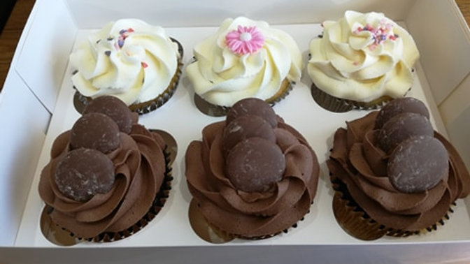 Mixed Cupcakes x 12