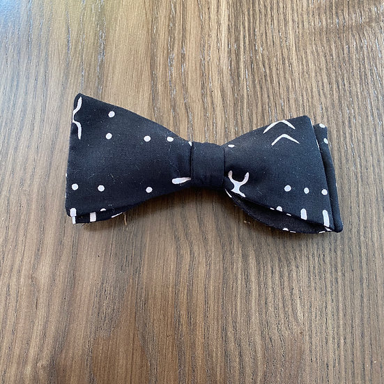 Mud Cloth Print Bow Tie