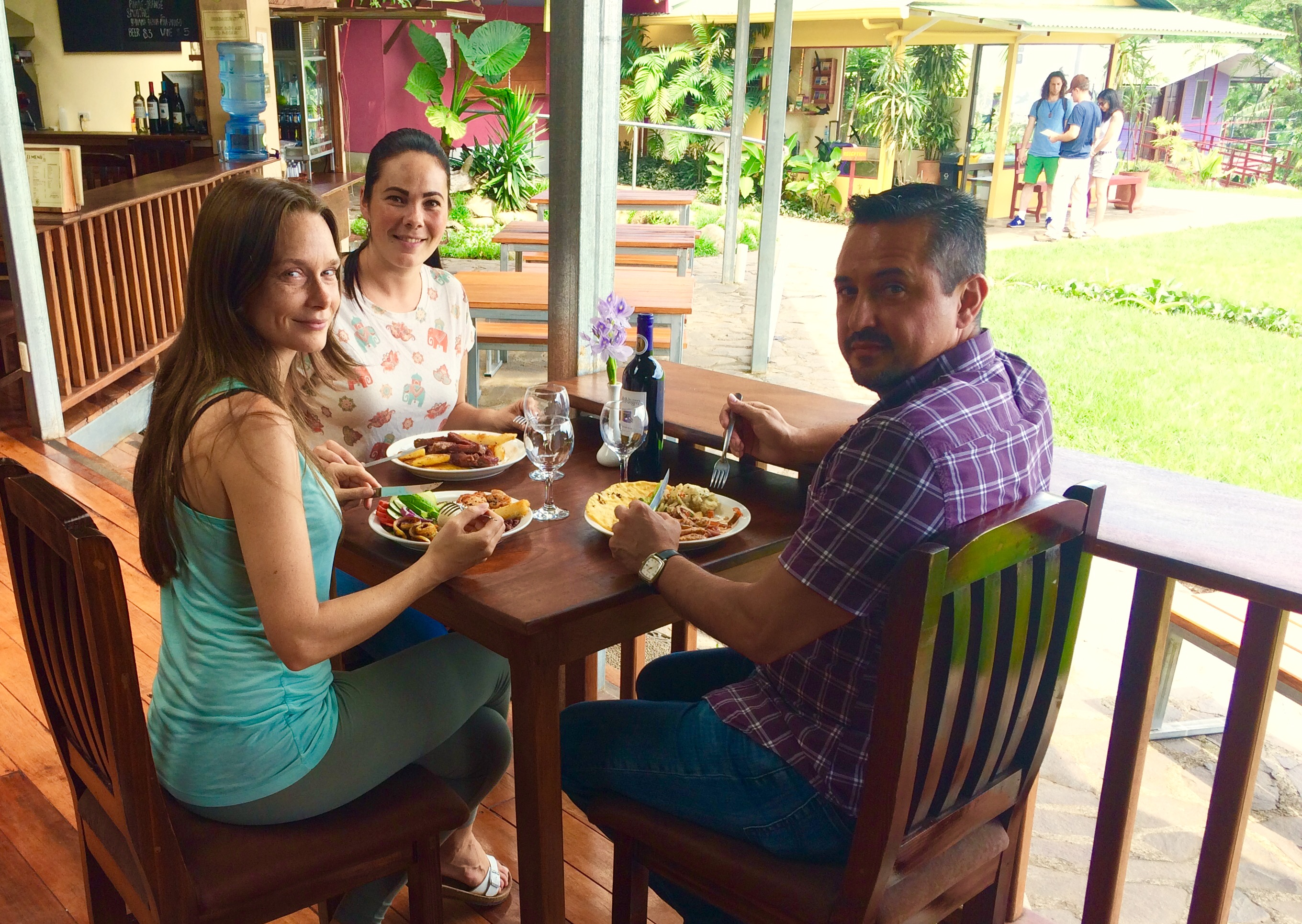 Family meal in Monteverde