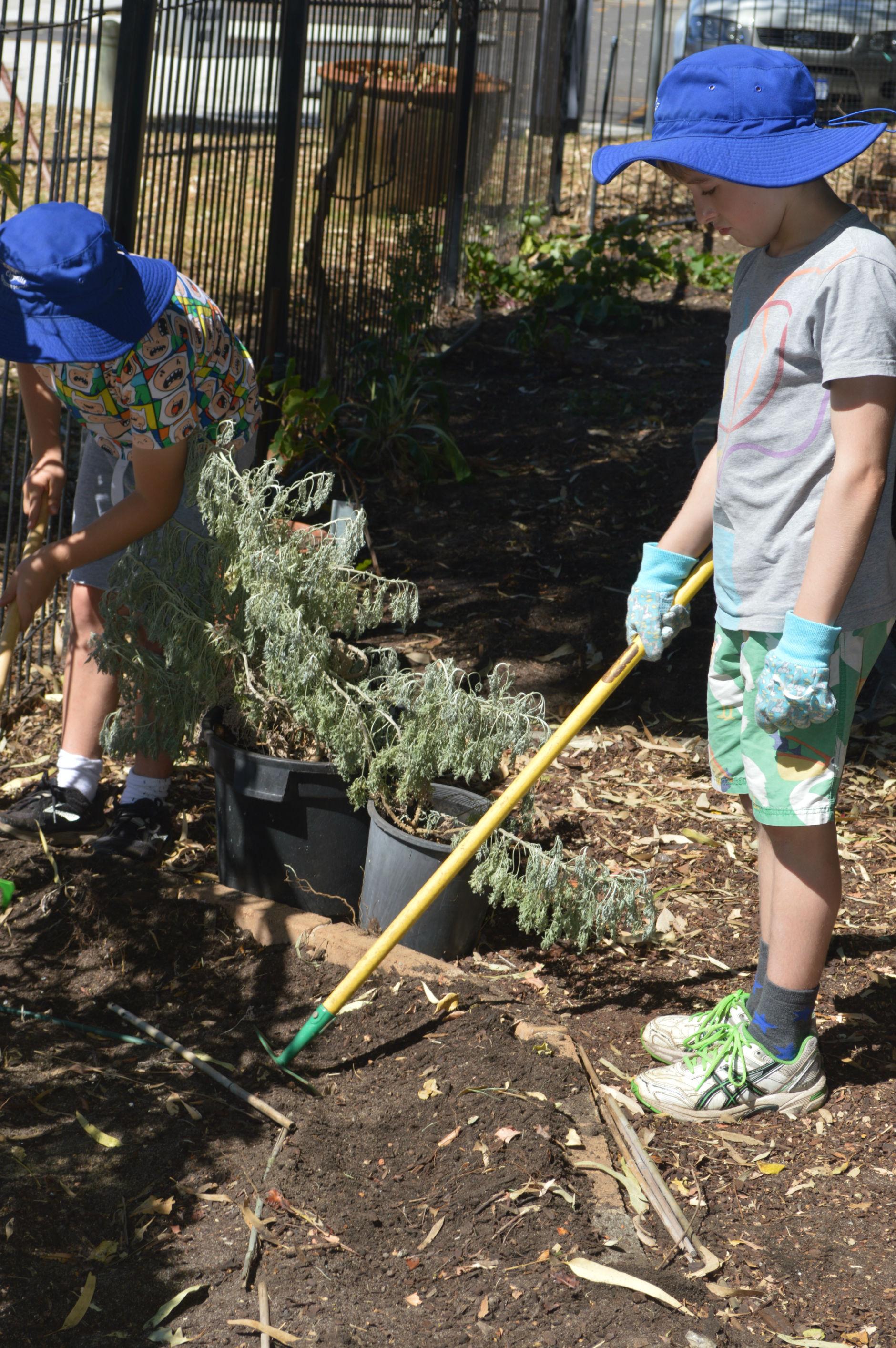 gardening (1)-r47