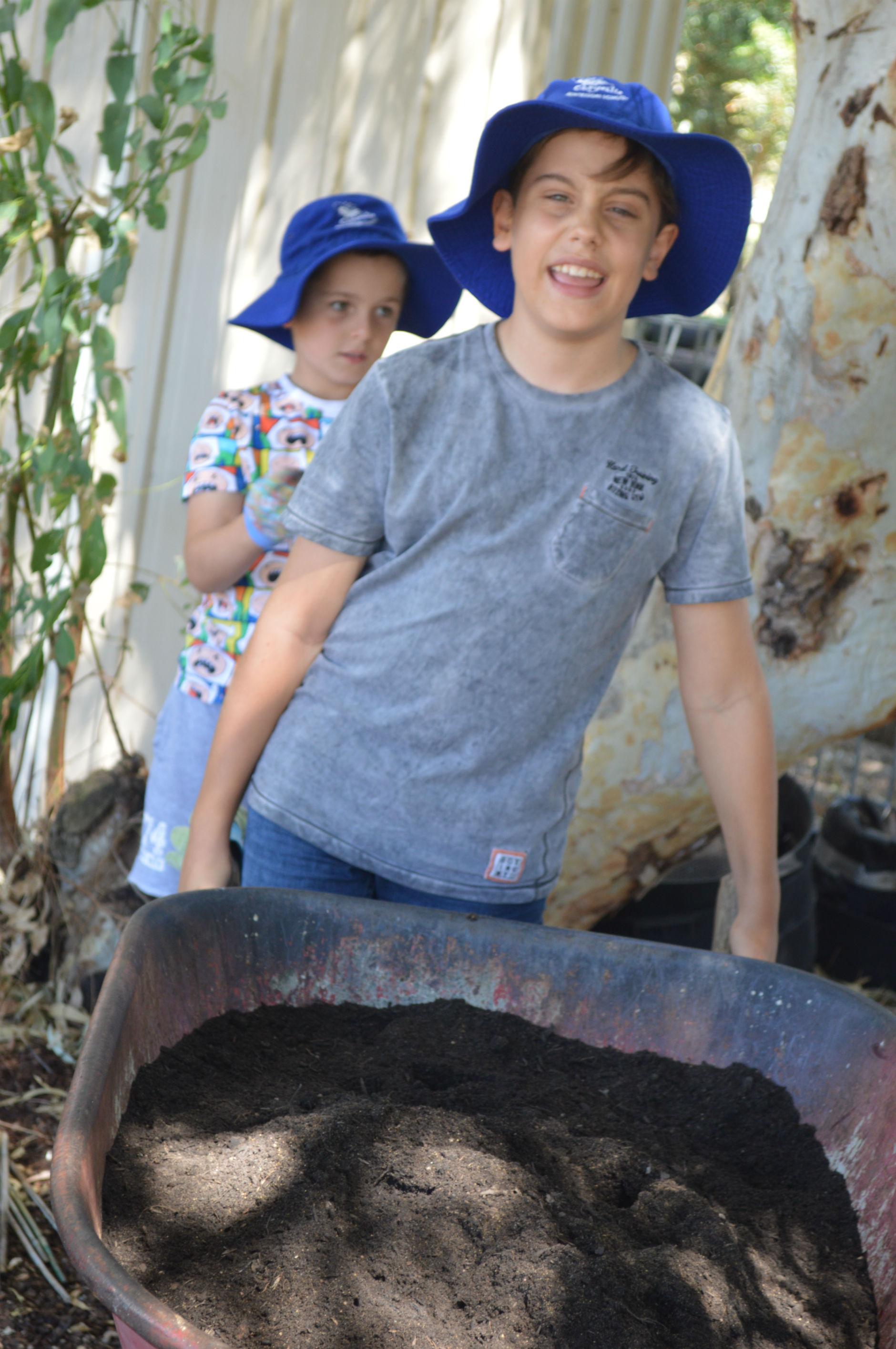 gardening (2)-r47