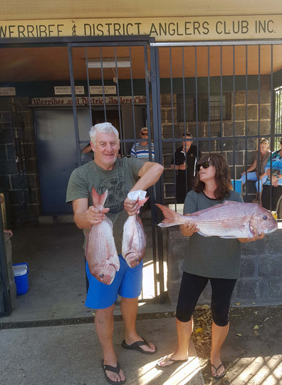 Bronwyn & Chris Abbott wth some nice Snapper