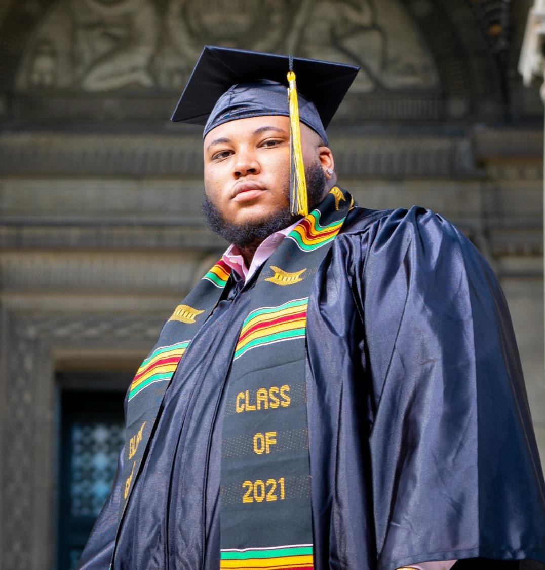 Graduation Photos / Senior Portraits
