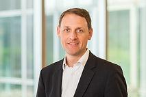 Dr. Niels Becker
