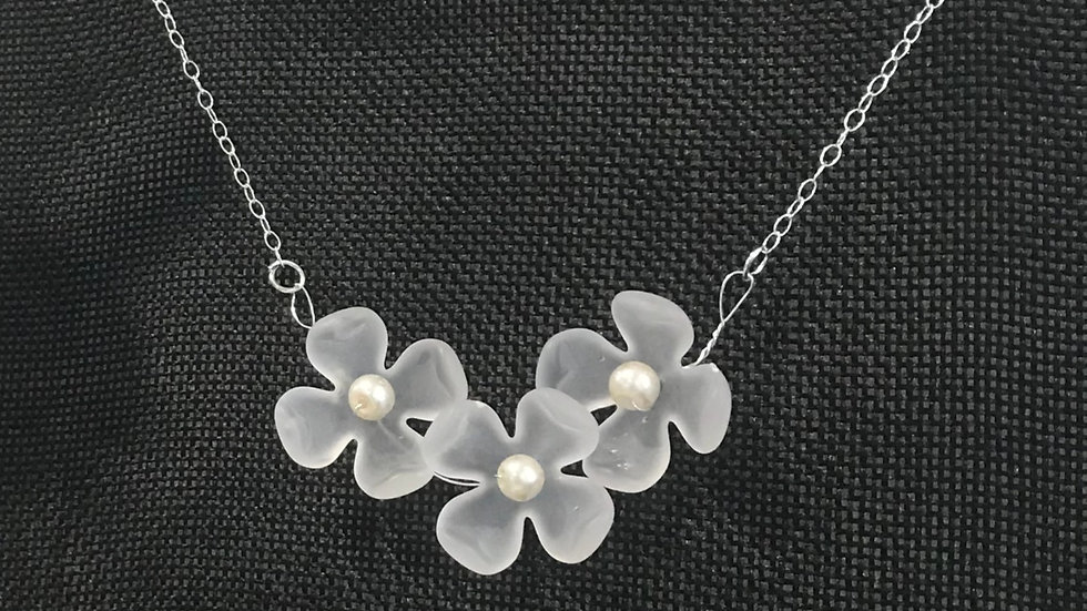 Dogwood Frosted Flower Necklace