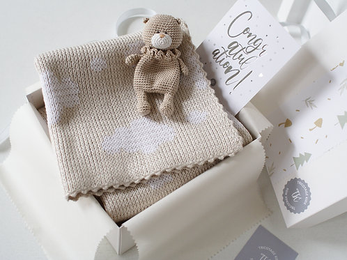 Подарочный набор новорожденному: плед+игрушка