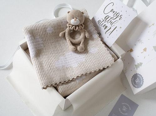 Подарочный набор ребенку: плед+погремушка