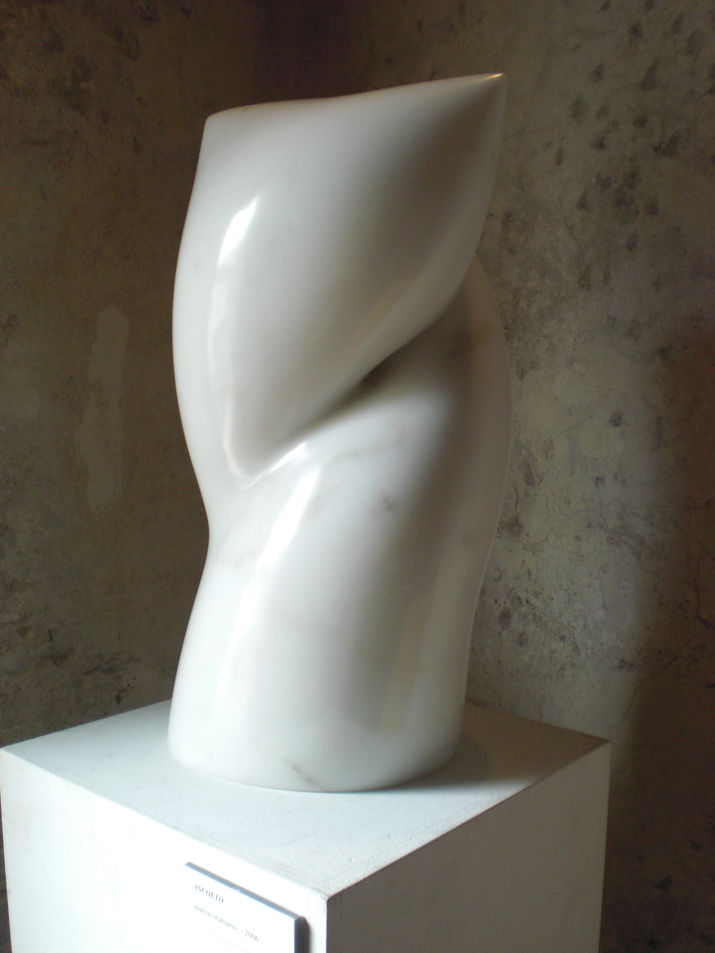 Ascolto - h 36 cm  statuario marble 2007