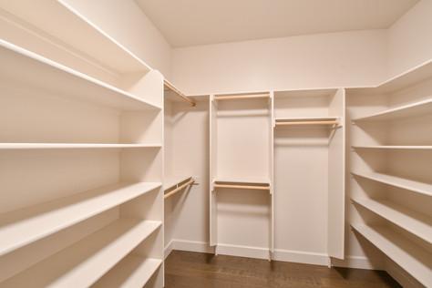 Avery Master Closet