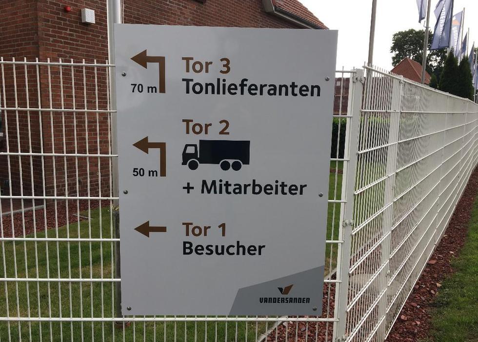 Schild Zaun