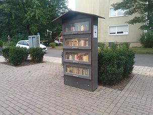 s+h_Bücherschrank_Baerenplatz_082020.jpg