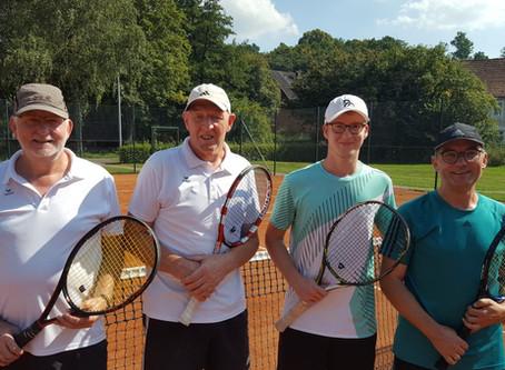Köhne und Raders Sieg der Doppel- Tennismeisterschaften