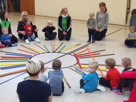 Kinder machen Bewegungsabzeichen