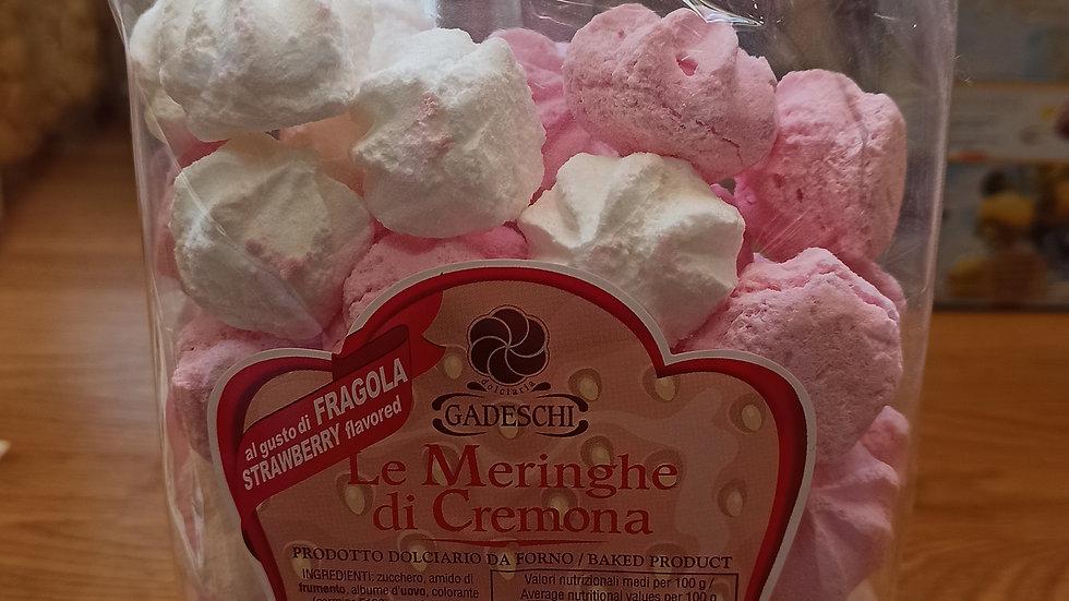 Vanilla and strawberry meringues