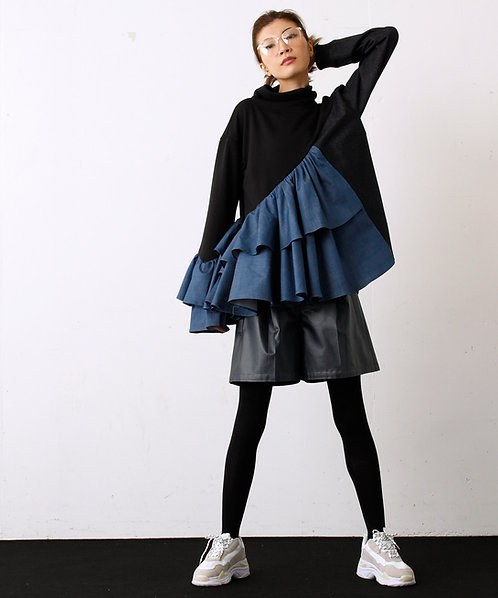 Frill switching high neck pullover