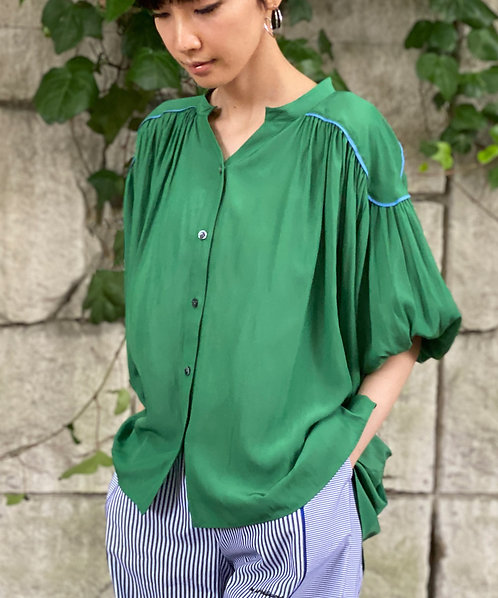 Airy gather piping design blouse