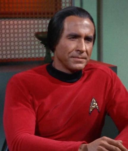 Khan_wearing_Starfleet_uniform