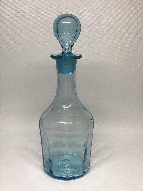 Petite carafe en verre soufflé bleu