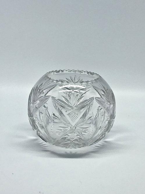 Vase boule en cristal taillé Saint-Louis