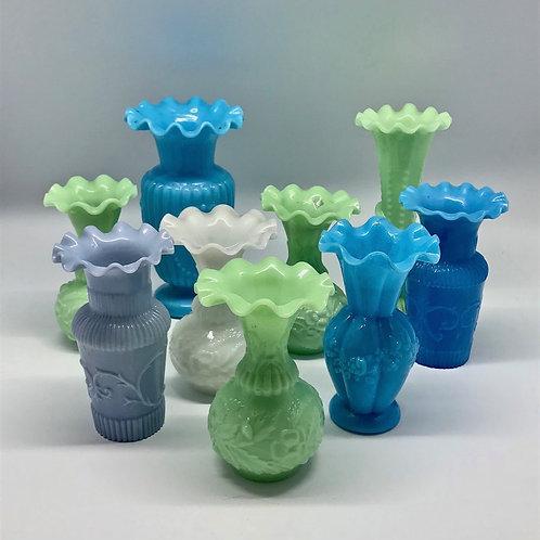 Vases à collerette en opaline