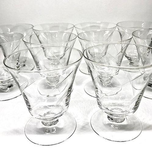 Verres à eau en verre gravé