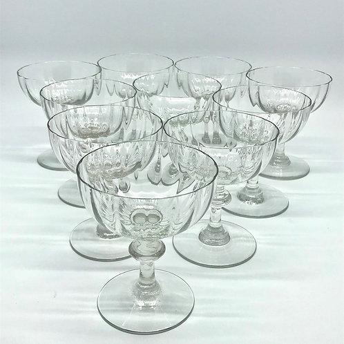 Coupes à champagne anciennes en verre soufflé