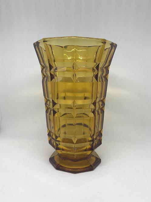 Vase en verre coloris ambre