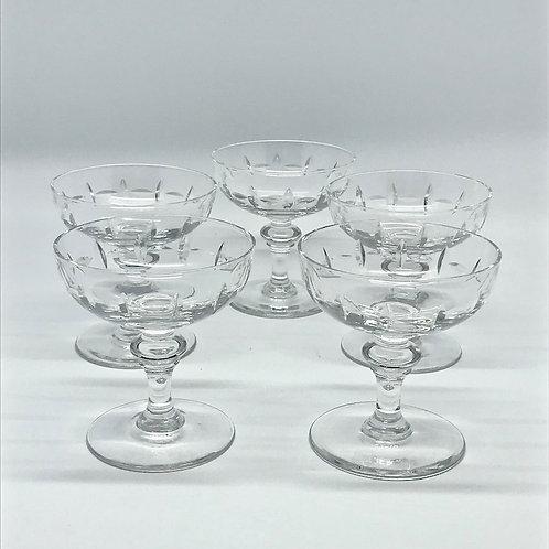 Coupes à champagne anciennes en cristal taillé