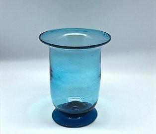 Vase en verre soufflé bleu