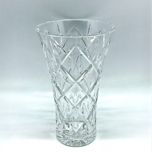 Vase évasé en cristal taillé