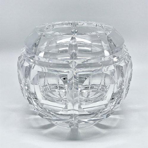 Vase boule en cristal taillé