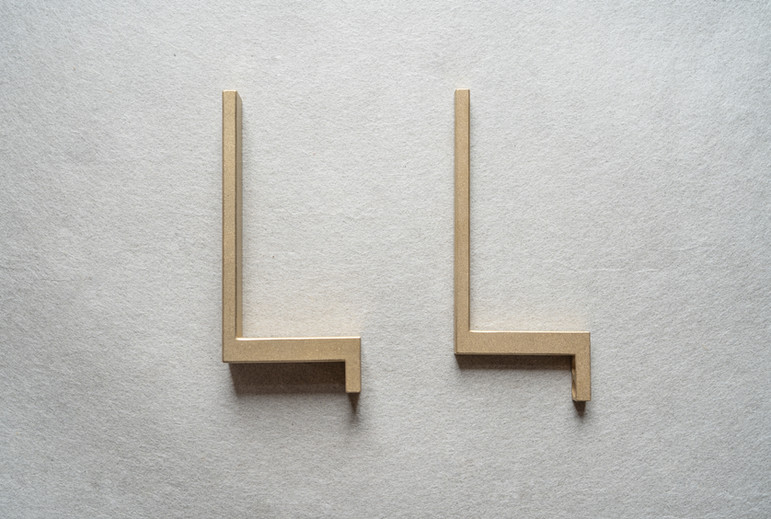 Large(左) Small(右)