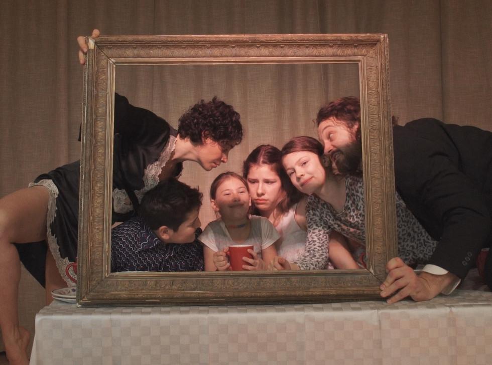 family_portrait_stills_Still1109_00006_k