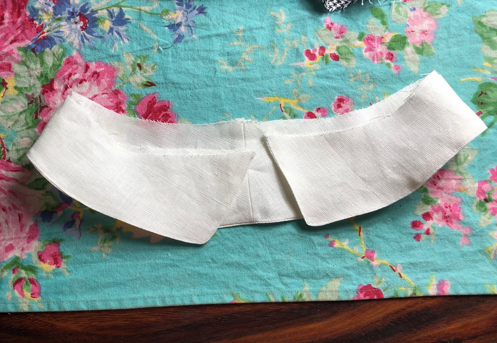 Retro Dress Collar Pattern