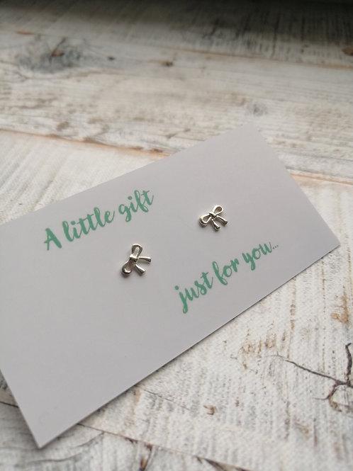 Bow Sterling Silver stud earrings