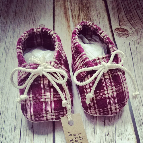 Baby booties - plaid - 0-3months