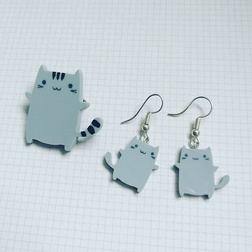 Grey cat brooch and earrings ( sold separately.)