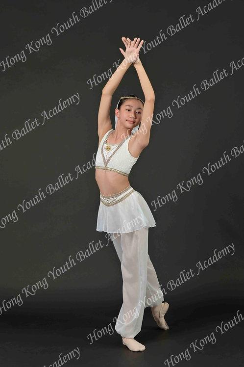 Kirsten Leong (2)